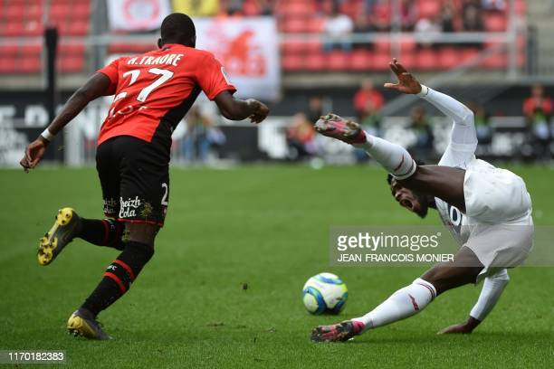Rennes' Malian defender Hamari Traore vies with Lille's French midfielder Jonathan Bamba during the French L1 Football match between Rennes and Lille...