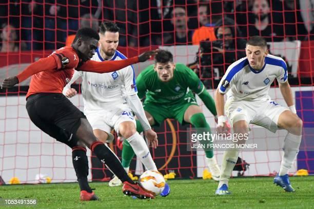 Rennes' Senegalese forward Ismaila Sarr vies with Dynamo Kiev's Ukrainian defender Mykyta Burda during the UEFA Europa League Group K firstleg...