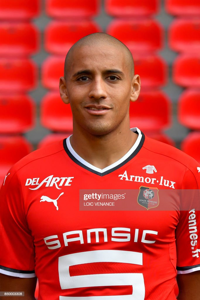 Rennes' Tunisian midfielder Wahbi Khazri poses during the official presentation of the French Ligue 1 football Club Stade Rennais FC on September 19, 2017 in Rennes, western France. /