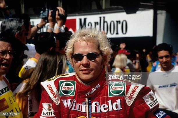 Rennfahrer Formel-1 CDN, Porträt mit Sonnenbrille und blondierten, Haaren