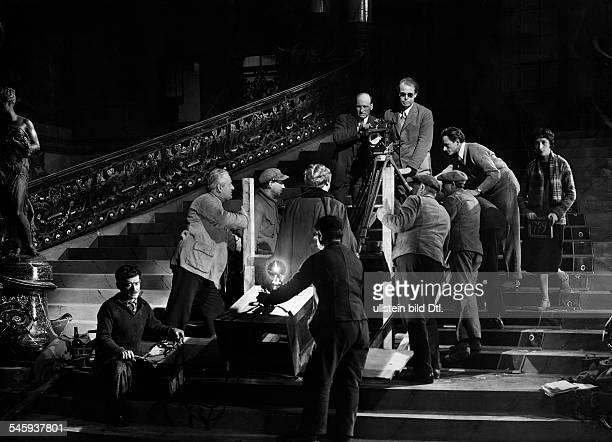 Renoir Jean *15918941221979Filmregisseur Frankreichbei Dreharbeiten veröffentlicht in Querschnitt 7/1926