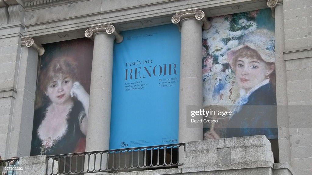 Renoir : Stock Photo