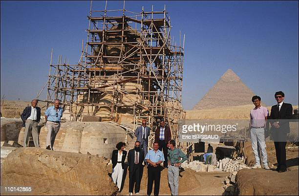 Renovation of the Sphinx Cairo in Cairo Egypt in May 1990 All the experts working on the sphinx Left to right bottom Dr Mahasti Afshar director of...
