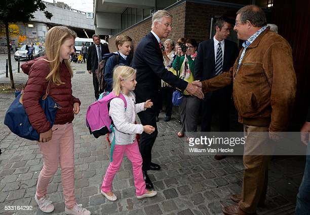Rentrée des classes pour les enfants du Roi et de la Reine au Collège SintJanBerchmans le Roi Philippe y conduit les Princesses Elisabeth et Eléonore...