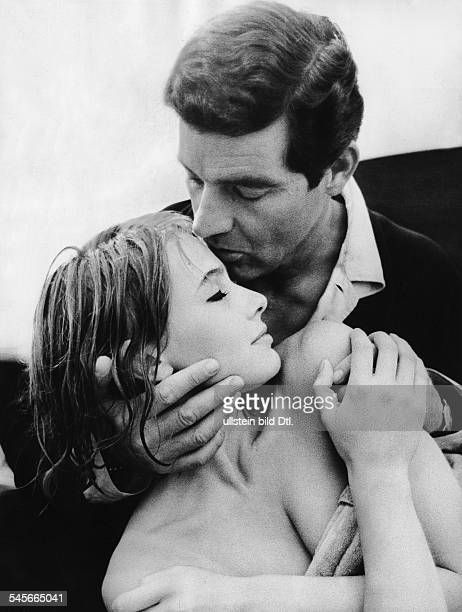 Renzi Eva *Schauspielerin D mit Paul Hubschmid in dem Film 'Playgirl' Regie Will Tremper D 1967