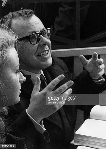 Renzi Eva *Schauspielerin D mit Will Tremper bei Dreharbeiten 1967
