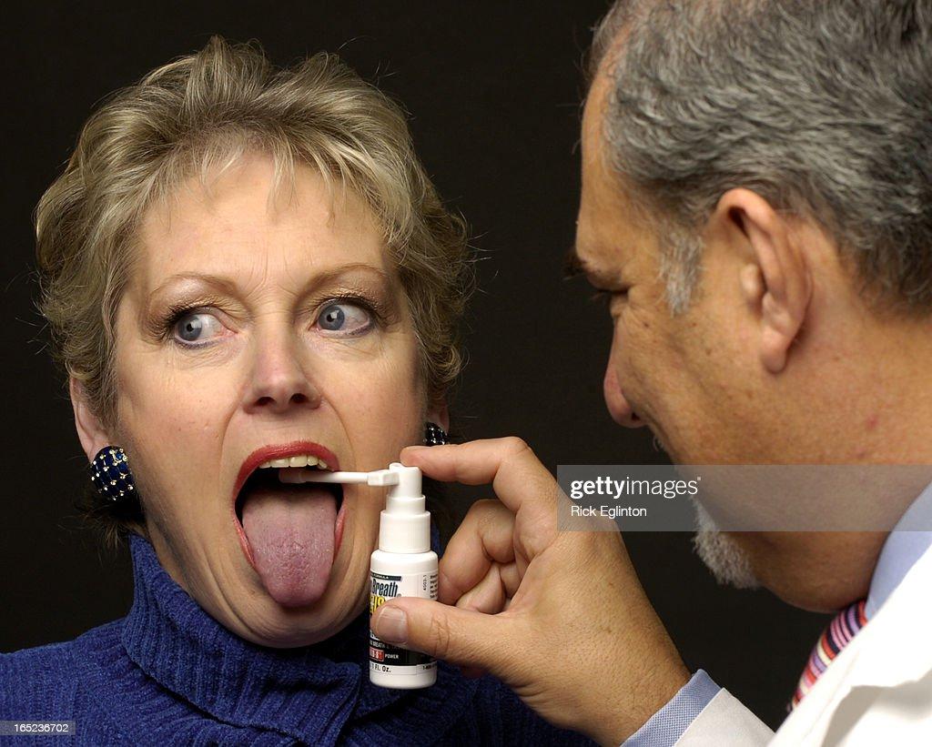REO401/16/06118501Rick Eglinton Toronto Star.Dr. Harold Katz of California shown testing individuals : News Photo