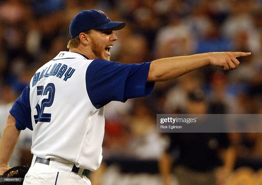 reo8 092703 Jays Vs Cleveland.Pitcher Roy Halladay breaks team record for the most wins.Halladay in  : News Photo
