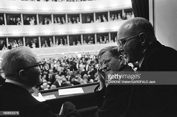 Reopening Of The Vienna Opera Grand gala pour la réouverture de l'Opéra d'Etat de Vienne le 5 novembre 1955 avec l'opéra Fidelio de Beethoven dans...