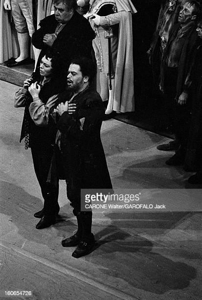 Reopening Of The Vienna Opera. Vienne- 5 novembre 1955- Grand gala pour la réouverture de l'Opéra d'État de Vienne avec l'opéra Fidelio de Beethoven....