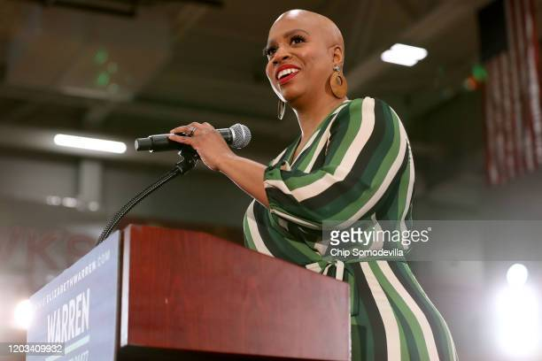 Rep Ayanna Pressley introduces Democratic presidential candidate Sen Elizabeth Warren during a campaign rally at Kohawk Arena on the campus of Coe...