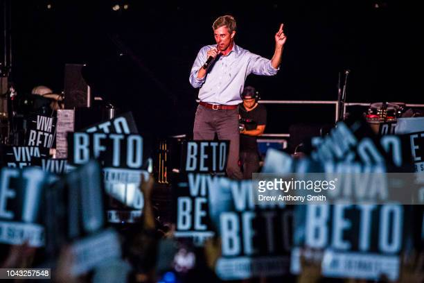 Rep Beto O'Rourke speaks at a campaign rally at Auditorium Shores on September 29 2018 in Austin Texas O'Rourke is running against Republican...