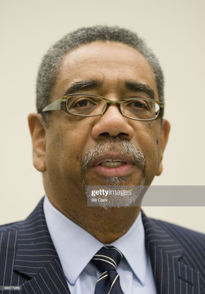 Rep. Bobby Rush, D-Ill., holds a news conference to call attention to his legislation, the Melanie Blocker-Stokes Postpartum Depression Research and Care Act, on Monday, Oct. 15, 2007.