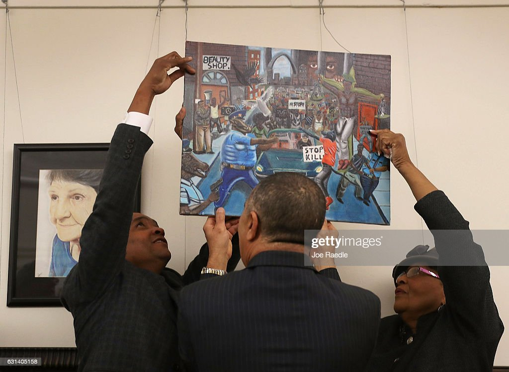 Congressional Black Caucus Returns Controversial Painting  To Capitol Hill : News Photo