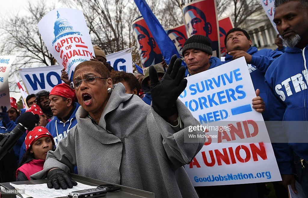 U.S. Capitol Low Wage Government Workers Go On Strike