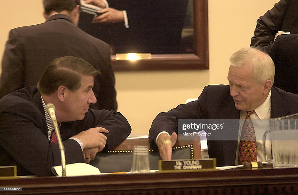 Rep. Ernest Jim Istook (R-OK) and Rep. Joseph Knollenberg (R-MI) chat during a markup in H140 on Thursday.
