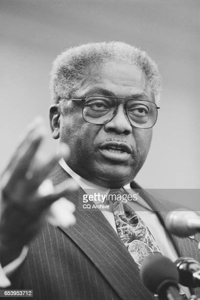 Rep Jim Clyburn DSC talking at a conference on Nov 16 1999 n