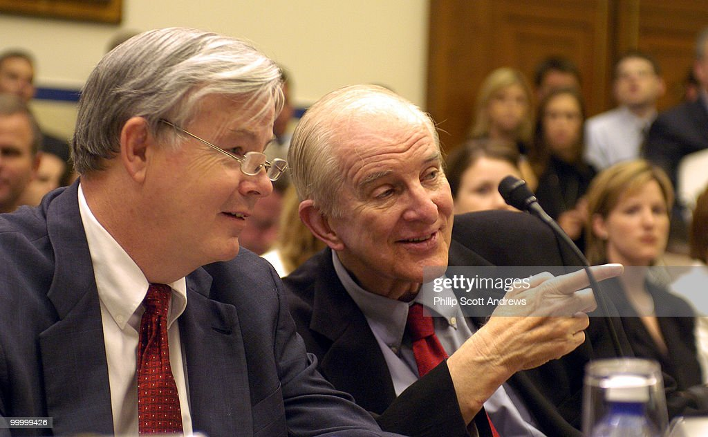 Rep. Joe Barton, R-Tex, talks with Rep Sam Johnson, R-Tex, speaks during an Aviation Subcommittee hearing on 'Reforming the Wright Amendment.' an amendment that limits air traffic from Dallas' Love Field Airport.