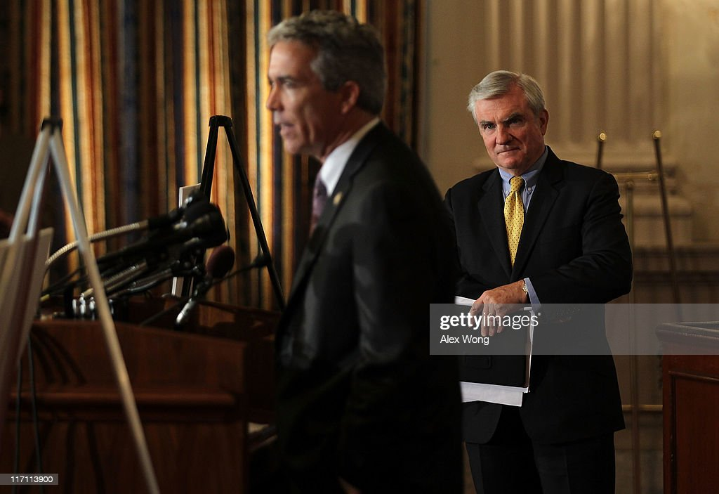 Senate Republicans Hold News Conference On Debt Ceiling : Nachrichtenfoto