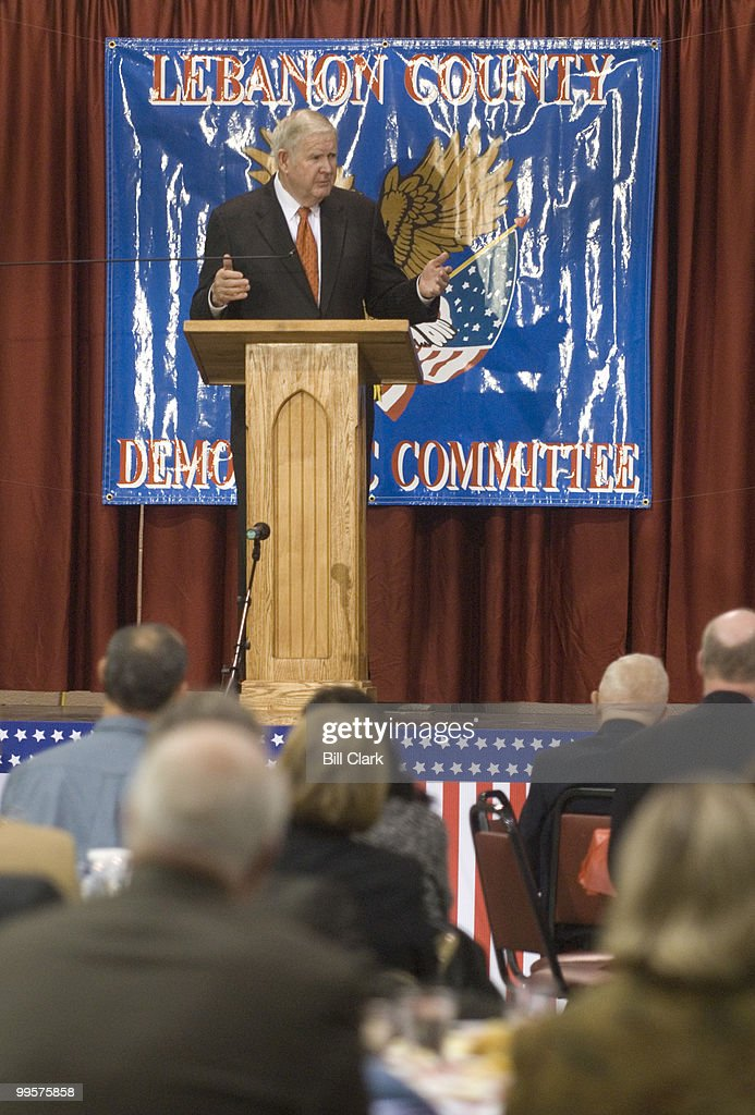 Rep. John Murtha, D-Pa., speaks to Democrats at the 2006 Jefferson-Jackson Day Dinner at the Lebanon Expo Center in Lebanon, Pa., on Friday, Oct. 13, 2006.