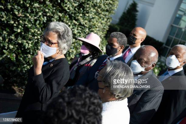 Rep. Joyce Beatty and other members of the Congressional Black Caucus speak to the press outside the White House after a meeting with US President...