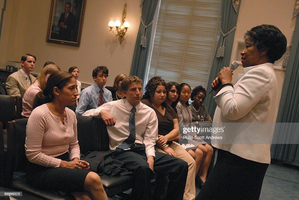 Rep. Juanita Millender-Mcdonald, D : Foto di attualità