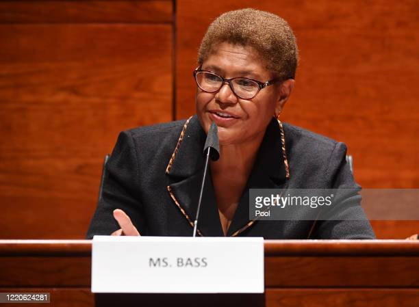 629 Karen Bass Photos and Premium High Res Pictures - Getty Images