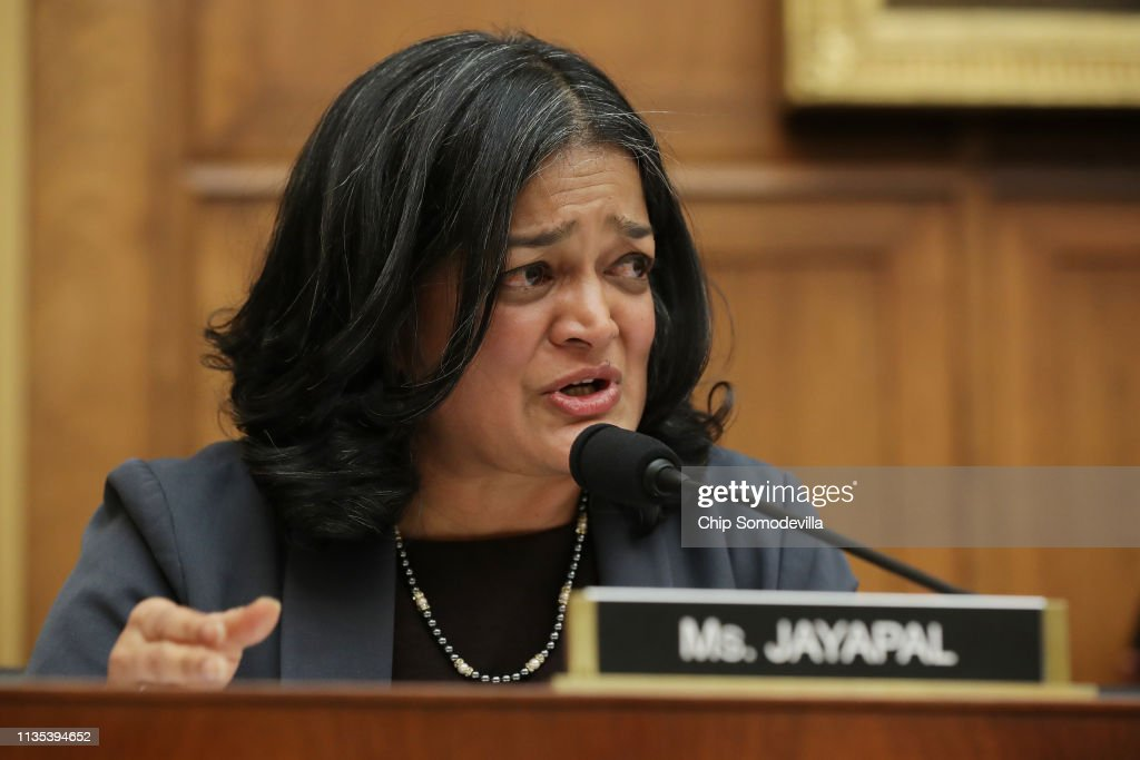 House Judiciary Committee Holds Hearing On State Of Competition In Wireless Markets : News Photo