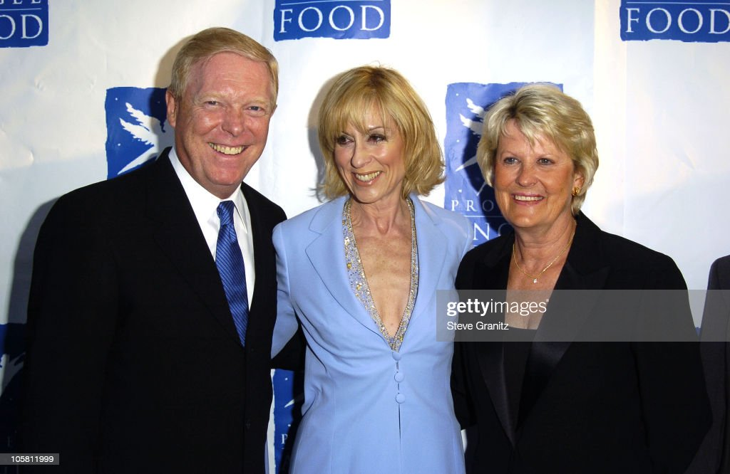 Rep. Richard Gephardt, Judith Light and Jane Gephardt