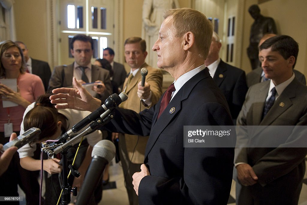 Rep. Spencer Bachus, R-Ala., speaks to reporters about regulatory reform during a news conference in the Will Rogers Corridor in the U.S. Capitol on Thursday, June 18, 2009.
