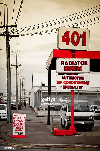 repair and service centre sign on tuam street. - merten snijders stockfoto's en -beelden