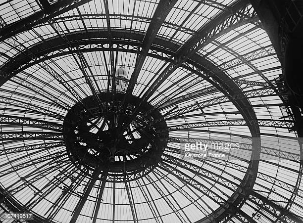 Repearing The Grand Palais Cupola In Paris On July 1931