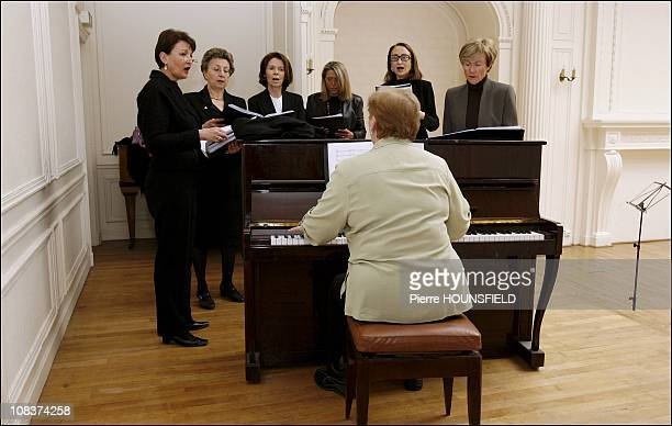 Repetition Salle Gaveau. From left to right: Anne Marie Raffarin, wife of Mario Colaiacovo Christine, former CEO of Sagem Catherine Good, wife of...