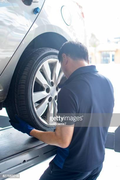 Austausch von Pkw-Reifen