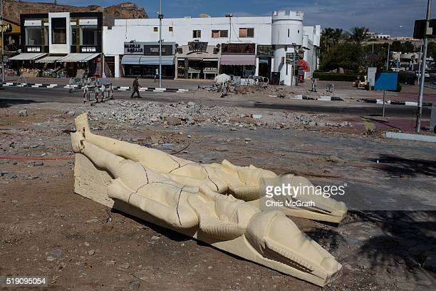 Replica Egyptian statues are seen at a construction site on April 3 2016 in Sharm El Sheikh Egypt Prior to the Arab Spring in 2011 some 15million...