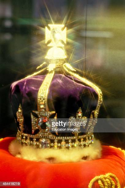 Replica Of The Crown Jewels Of England