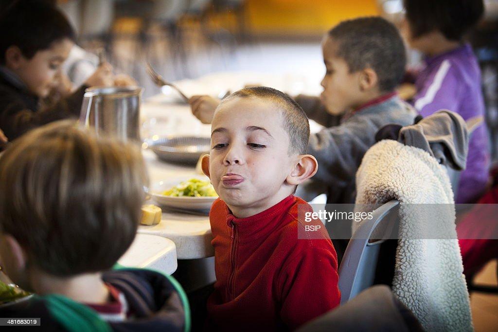 School Canteen : News Photo