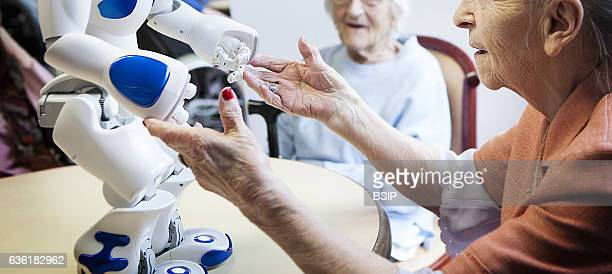 Reportage in the ÔBalcons de TivoliÕ nursing home in the Bordeaux region of France which is equipped with a Zora robot Zora is a software solution...