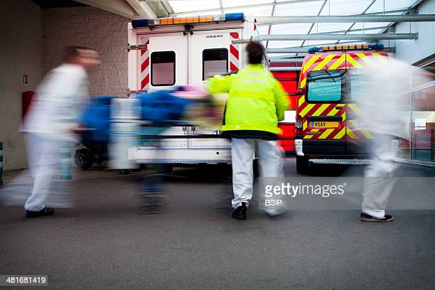 Reportage on Robert Ballanger Hospital's emergency medical team in AulnaySousBois France Arrival of the emergency services at AE