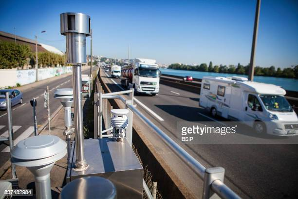 Reportage Sustainable Development and Energy Ministry provides surveillance and information on air quality AuvergneRhªneAlpes area of France Air...
