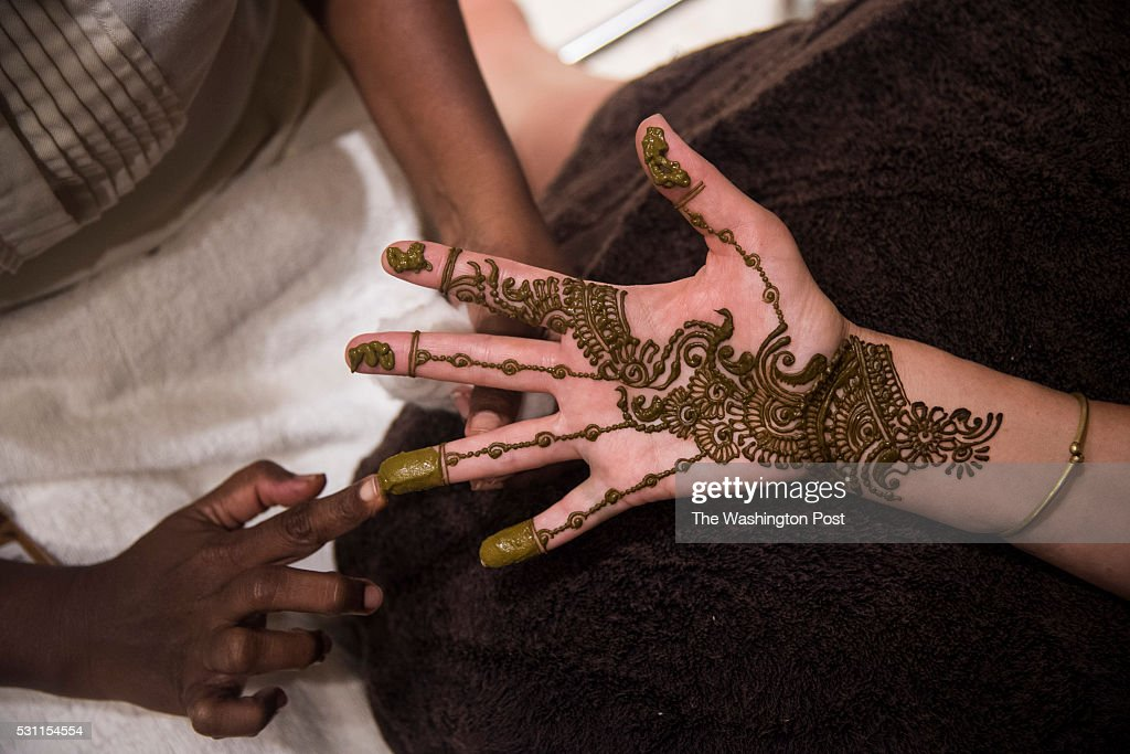 Henna Or Mehndi : Henna tattoo stock photos and pictures getty images