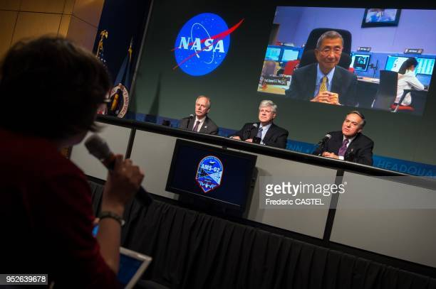 A reporter asks a question to briefing participants William Gerstenmaier NASA associate administrator for Human Exploration and Operations seated...