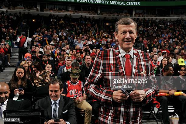 Reporter Craig Sager is welcomed during a game between the Oklahoma City Thunder and Chicago Bulls on March 5 2015 at the United Center in Chicago...
