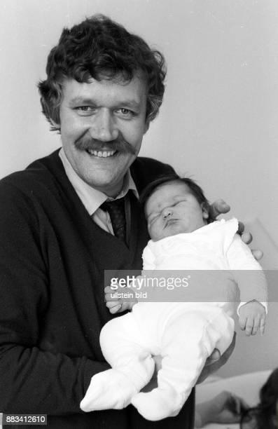 Reporter, Moderator, D mit seiner Tochter Theresa Porträt