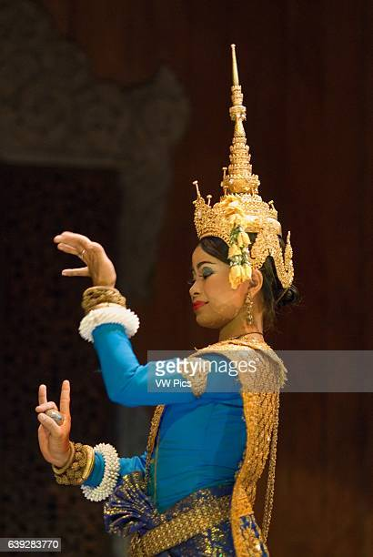 Representation of apsara dance Apsara Theatre Siemp Reap t has been a tradition since the earliest days of tourism in the 19th century to treat...