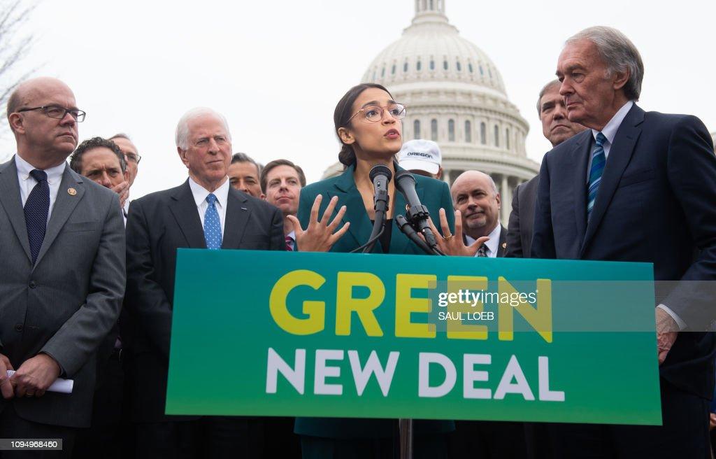 US-POLITICS-ENERGY : News Photo
