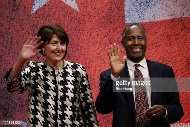 Representative Cathy McMorris Rodgers a Republican from Washington left and Ben Carson secretary of Housing and Urban Development wave while arriving...