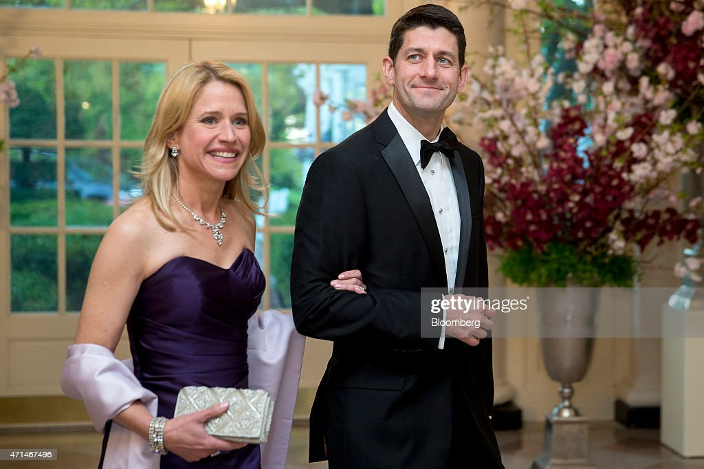 Guests Arrive For A State Dinner In Honor Of Japan's Prime Minister Shinzo Abe : News Photo