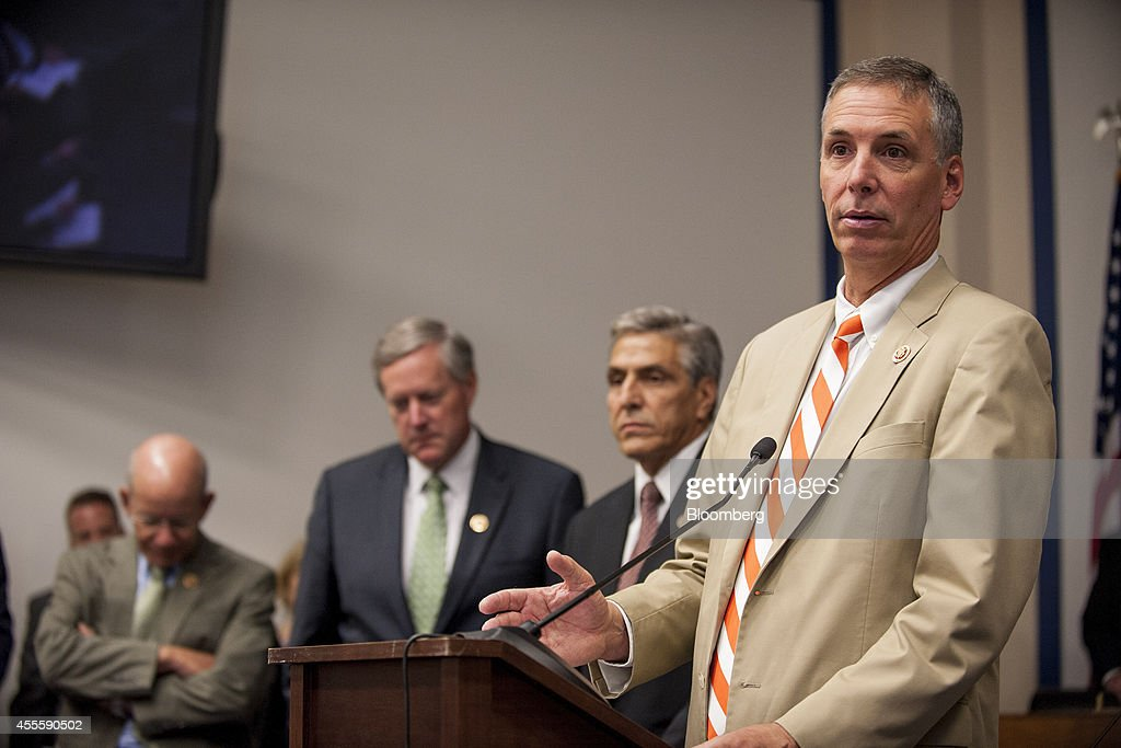 House Transportation and Infrastructure Committee News Conference On Public-Private Partnerships : News Photo