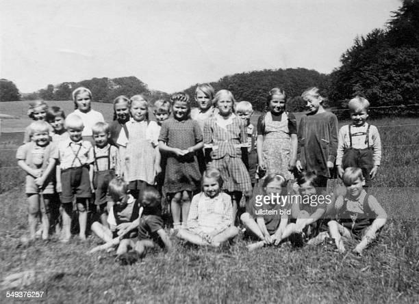 Repro Gruppenbild Kinder 1948